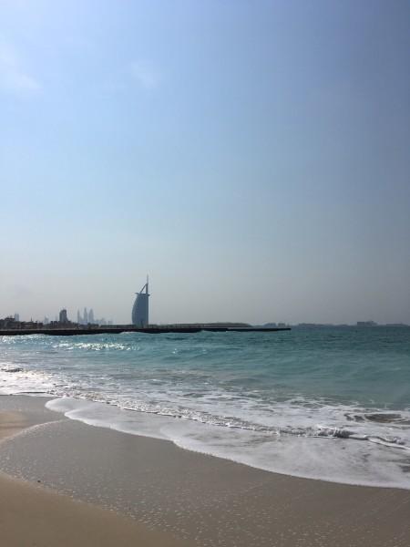 迪拜楼群海边风景