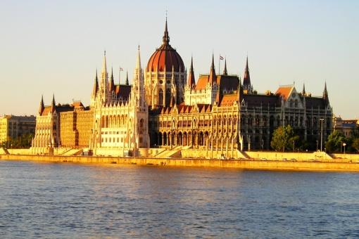 匈牙利人均gdp_危机冲击下的匈牙利经济和政策