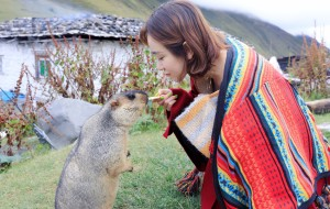 【莫斯卡图片】一辆皮卡,一个女生,穿过山河,找寻传说中最后的云中神秘藏族村落,莫斯卡
