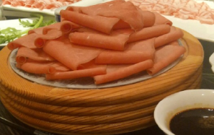 雪乡美食-鑫聚缘火锅