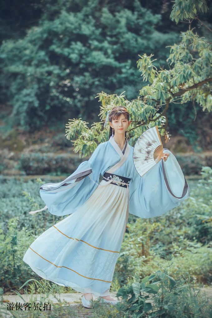 如何优雅的拍摄汉服写真,小仙女要收藏的摆姿攻略