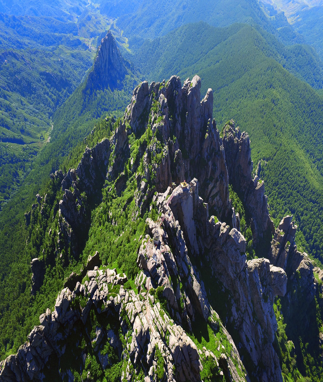 山西忻州芦芽山旅游风景区 万年冰洞/石门悬棺/汾河源头/天池湖群
