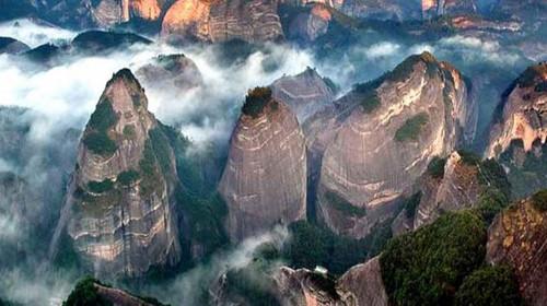 湘桂雙省3天游(游崀山風景區八角寨 辣椒峰 天一巷 千年興安古鎮