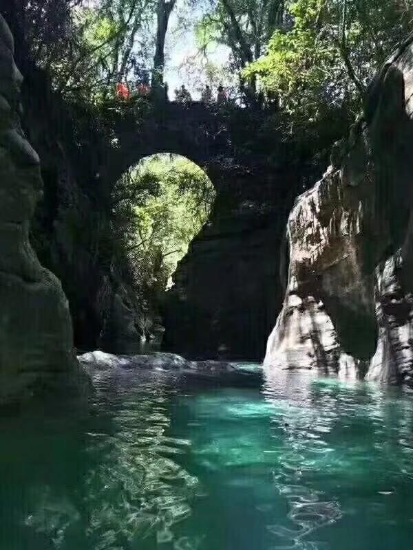 恩施鹤峰,屏山峡谷,躲避峡峡谷,隔子河麒麟七眼泉瀑布