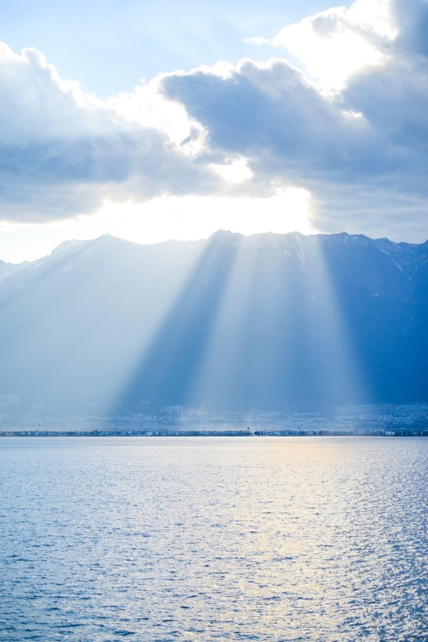 泸沽湖 ☆ 行舟绿水前,遥遥一水间