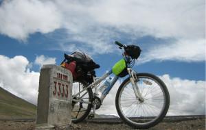 【青藏线图片】向队友以及自己致敬。 青藏线骑行。2010。