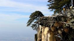 庐山景点-龙首崖