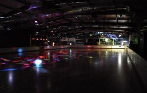 爱尔兰娱乐-RollerJam Roller Skate Rink