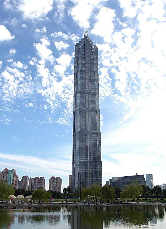 上海著名旅游景点-金茂大厦