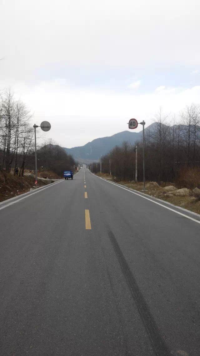 成都至西昌,骑行近看雅西高速.